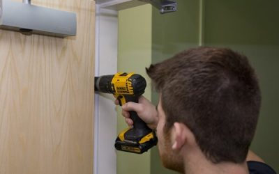 Do you need to be qualified to install a fire door?